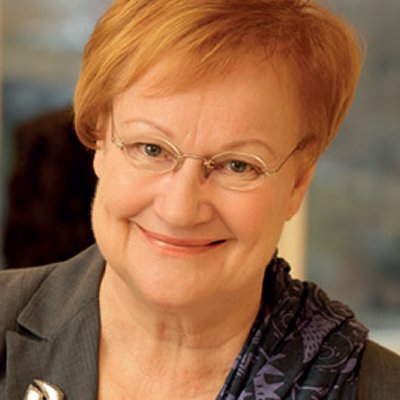 Presidentti Tarja Halosen kasvokuva.