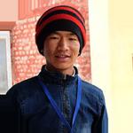 """""""Olin ennen ujo, enkä puhunut muiden edessä. Olen päässyt kehittämään esiintymistaitojani ja saanut lisää itseluottamusta."""" Prakash, 15, Nepal"""